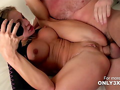 Amy Brook gets wild anal coition from Manuel Ferrara