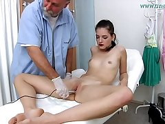 Annie Darling, 18 stage old girl went to her gynecologist
