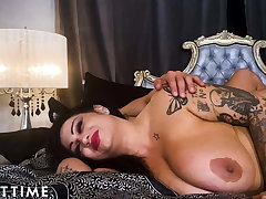Engrave Maturity - Samantha Mack Gets Dominated