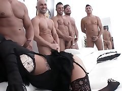 Big butt slut Veronica Avluv gets her asshole destroyed nigh 10 on 1 gangbang