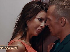 Alexis Fawx Has 2 Intense Orgasms At the Marcus London Cums