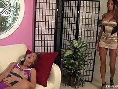 Teen Riley Reid and MILF Kayla Carrera fuck each others pussy