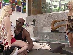Hot sexy pro Erica Lauren gets a fuck as she licks a hot babe Tara Lynn Foxx' pussy
