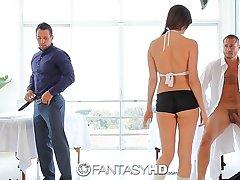 HD FantasyHD - Holly Michaels massages two guys turns procure triad