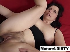 Matured with natural tits gets a creampie in her hairy pussy!