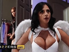 Hot And Mean - (Ariella Ferrera, Isis Love) - MILF Witches Accoutrement 1 - Brazzers