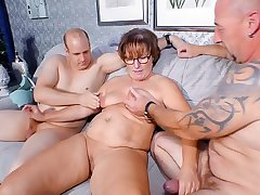REIFE SWINGER - Chubby German granny sucks added to fucks two cocks in naughty threesome
