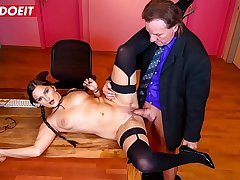 LETSDOEIT - Sexy Babe Holly Banks It's Having A Good Time Forwards Office