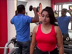Beautiful Reema Vohra & Other Sexy Aunty Strapping Boobs Scene from CP a jugs gim show